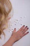 Mulher com comprimidos da prescrição Fotos de Stock Royalty Free