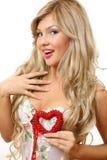 A mulher com coração Fotografia de Stock