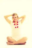 Mulher com corações vermelhos pequenos charity Imagens de Stock Royalty Free