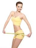 Mulher com corpo bonito após a dieta Imagens de Stock