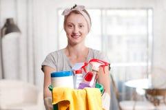 Mulher com detergente Fotografia de Stock