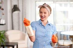 Mulher com detergente Imagens de Stock