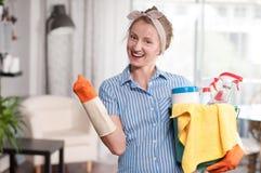 Mulher com detergente Fotografia de Stock Royalty Free