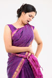 Mulher com dor na parte traseira Fotos de Stock Royalty Free