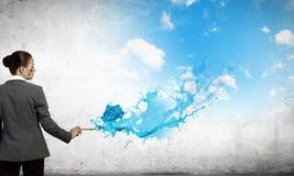 Mulher com escova de pintura Imagem de Stock Royalty Free