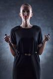 Mulher com faca e forquilha. Imagem de Stock Royalty Free