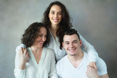 Mulher com filha e filho imagem de stock royalty free
