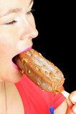 Mulher com gelado. imagem de stock