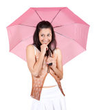 Mulher com guarda-chuva cor-de-rosa Foto de Stock