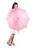 Mulher com guarda-chuva cor-de-rosa Imagens de Stock