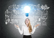 Mulher com ideias do negócio Imagens de Stock Royalty Free