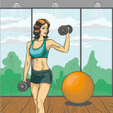 Mulher com ilustração do vetor do barbell no estilo retro do pop art Cartaz cômico do conceito da aptidão do esporte Corpo magro  Imagens de Stock Royalty Free