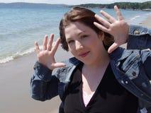 Mulher com mãos acima imagem de stock royalty free