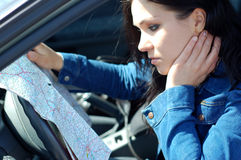 Mulher com mapa fotos de stock royalty free