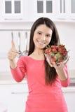 Mulher com morango imagens de stock
