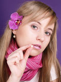 Mulher com o comprimido das vitaminas Imagem de Stock Royalty Free