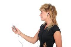 Mulher com o jogador MP3 imagens de stock royalty free