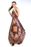 Mulher com o vestido longo bonito foto de stock royalty free