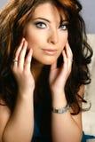 Mulher com olhos azuis encantadores Imagens de Stock