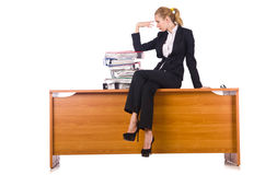 A mulher com os lotes do documento isolados no branco Imagens de Stock Royalty Free