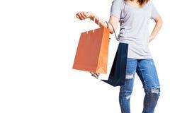 Mulher com os sacos de compras isolados sobre no fundo branco Fotografia de Stock
