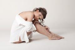 Mulher com peitos desencapados fotos de stock