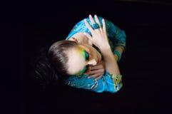 Mulher com penteado e composição da fôrma Fotos de Stock Royalty Free