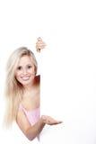 Mulher com placa branca Foto de Stock Royalty Free