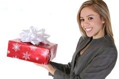 Mulher com presente Fotografia de Stock Royalty Free