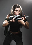 Mulher com rifle fotos de stock