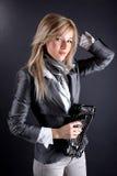 Mulher com saco de embreagem imagem de stock royalty free
