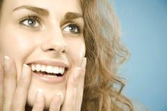 Mulher com sobrancelhas largas imagens de stock