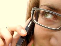 Mulher com telefone de pilha Foto de Stock Royalty Free
