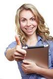 Mulher com terra arrendada do computador da tabuleta Imagens de Stock
