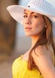 Mulher com um chapéu Foto de Stock Royalty Free