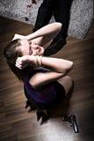 Mulher com um injetor Fotografia de Stock