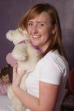 Mulher com urso Imagem de Stock Royalty Free