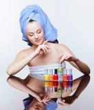 Mulher com verniz de prego Foto de Stock Royalty Free