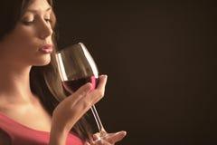 Mulher com vinho Imagem de Stock