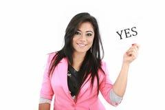Mulher com YES da placa Fotografia de Stock Royalty Free