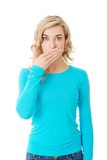 Mulher completa do comprimento que cobre sua boca Imagens de Stock Royalty Free
