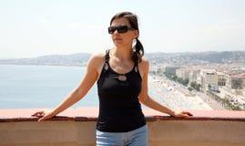 Mulher consideravelmente nova em France agradável Fotografia de Stock Royalty Free