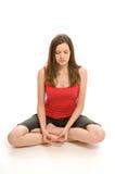 Mulher consideravelmente nova que meditating foto de stock
