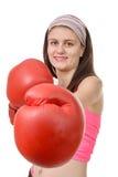 Mulher da aptidão com as luvas de encaixotamento vermelhas imagem de stock royalty free