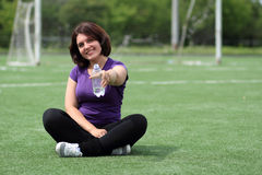 Mulher da aptidão com o frasco da água Imagem de Stock Royalty Free