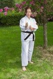 Mulher da arte marcial Fotos de Stock Royalty Free