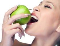 Mulher da beleza com fruta Fotografia de Stock