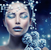 Mulher da beleza do inverno Fotos de Stock Royalty Free