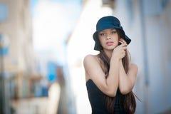 Mulher da forma com chapéu Imagens de Stock Royalty Free