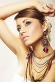 Mulher da forma com jóia fotografia de stock royalty free